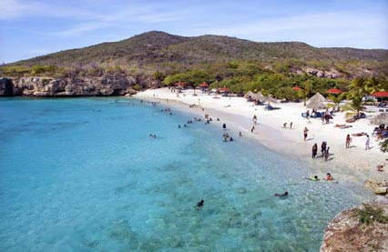 Enjoy the lovely weather conditions on Curacao while staying in one of Sunny Curacao's lodges